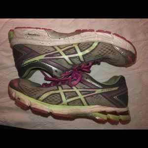 Used ASICS women's GT-1000 4 Running sneaker